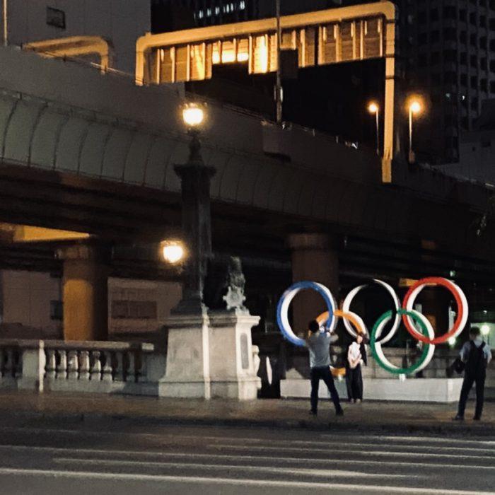 日本橋と五輪オブジェ